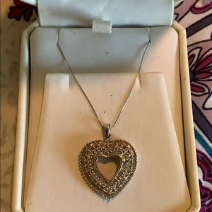 Jewelry - White gold and diamond pendant